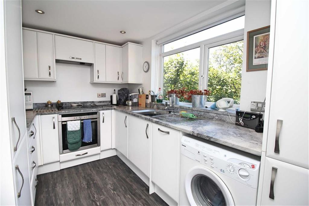 2 Bedrooms Apartment Flat for sale in Sandringham Lodge, Hove, East Sussex