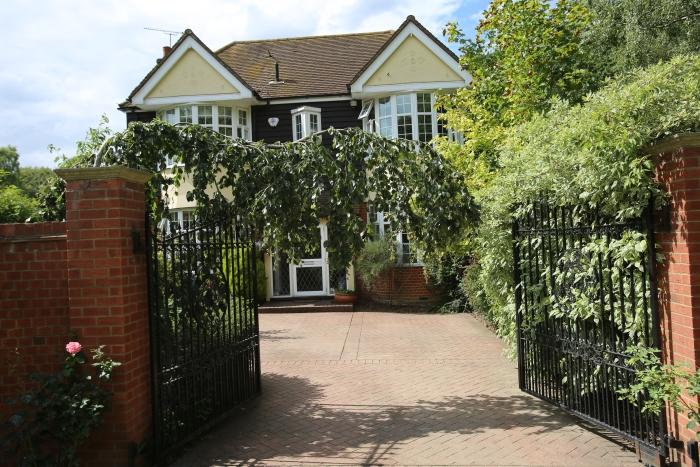8 Bedrooms Detached House for sale in EPPING NEW ROAD, EPPING CM16