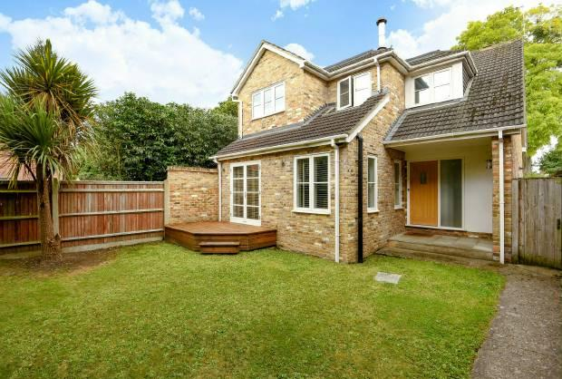 4 Bedrooms Detached House for sale in Parsonage Lane, Windsor