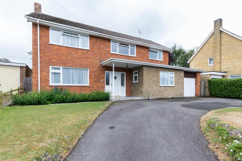 4 Bedrooms Detached House for sale in Old Dover Road, Canterbury CT1