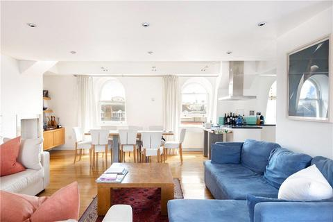 3 bedroom flat - King Street, London, WC2E