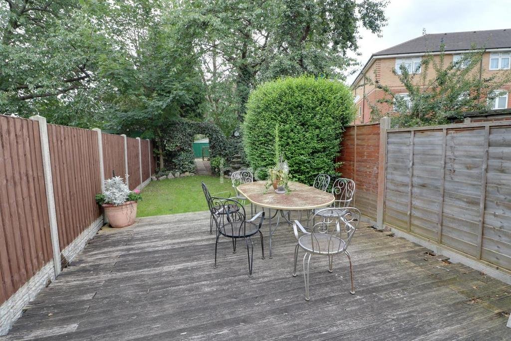 3 Bedrooms Terraced House for sale in Alma Road, Enfield, EN3