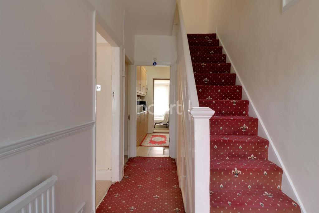 4 Bedrooms Terraced House for sale in Northolt