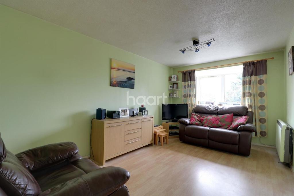 1 Bedroom Flat for sale in Braithwaite Avenue, Romford