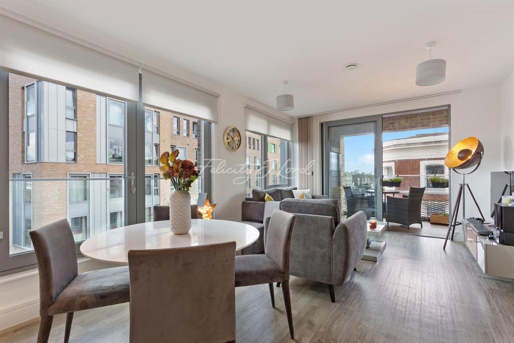 1 Bedroom Flat for sale in Boleyn Road, N16