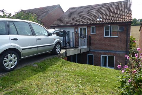 4 bedroom detached house to rent - Derwent Close, Horndean, Waterlooville PO8
