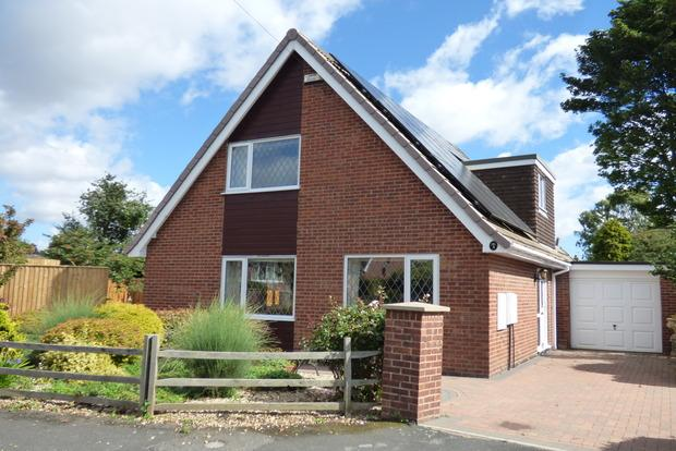 3 Bedrooms Detached Bungalow for sale in Brookside Close, Louth, LN11