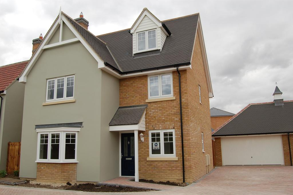 5 Bedrooms Terraced House for sale in WOODLANDS PARK, GREAT DUNMOW CM6