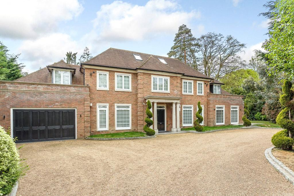 6 Bedrooms Detached House for sale in Percival Close, Oxshott, Leatherhead, Surrey, KT22