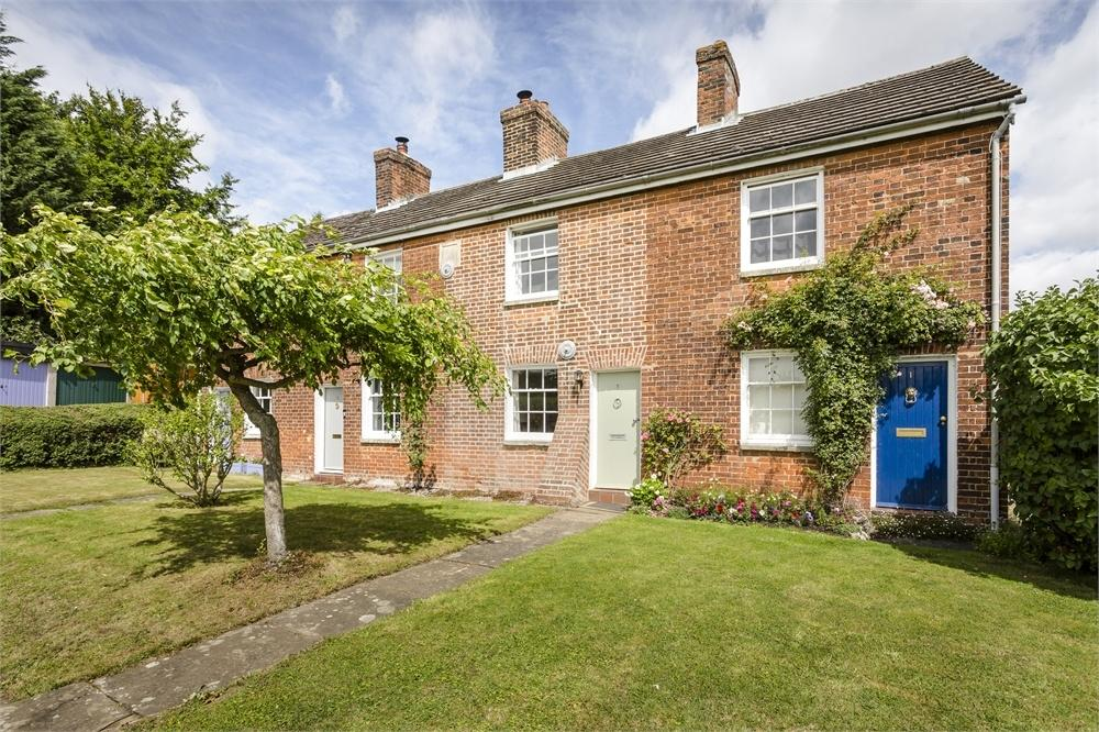 3 Bedrooms Terraced House for sale in Bells Cottages, Levels Green, Farnham, Bishop's Stortford, Essex