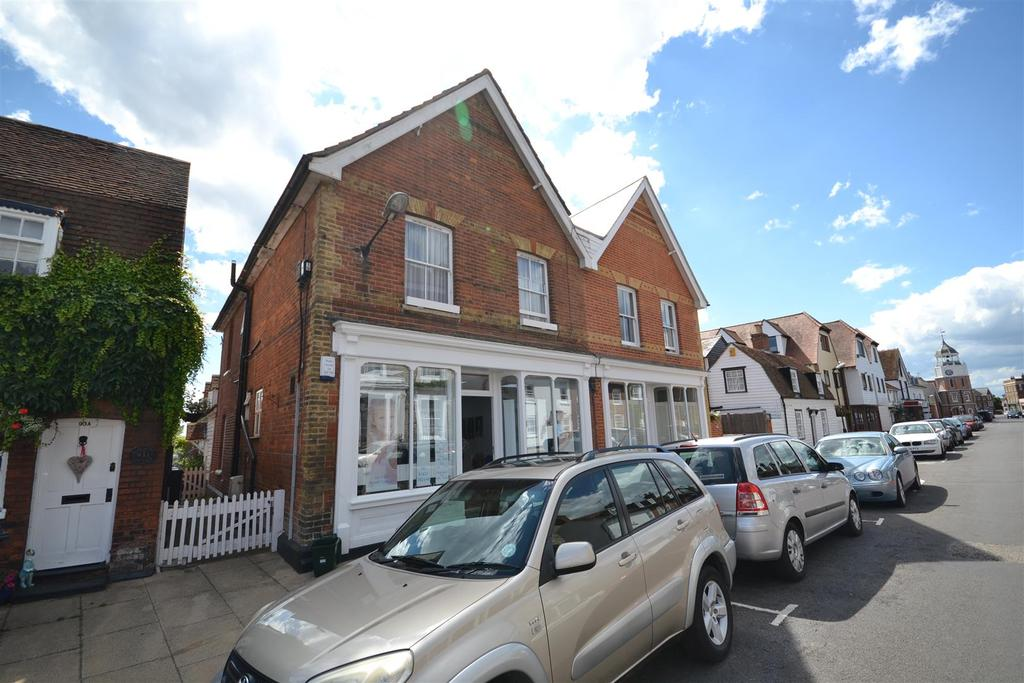 4 Bedrooms Apartment Flat for sale in High Street, Burnham-on-Crouch