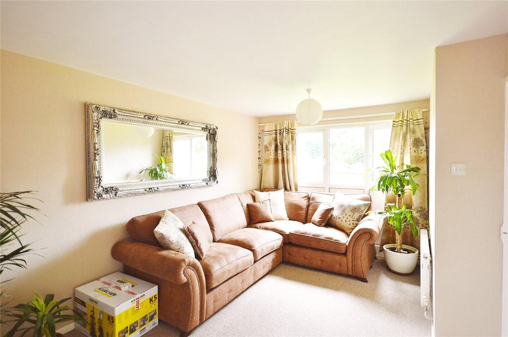 2 Bedrooms Apartment Flat for sale in Bembridge Place, Linden Lea, Garston, Hertfordshire, WD25
