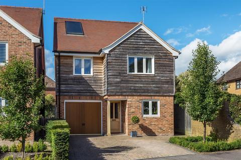 5 bedroom detached house to rent - BENTLEY, FARNHAM, Hampshire