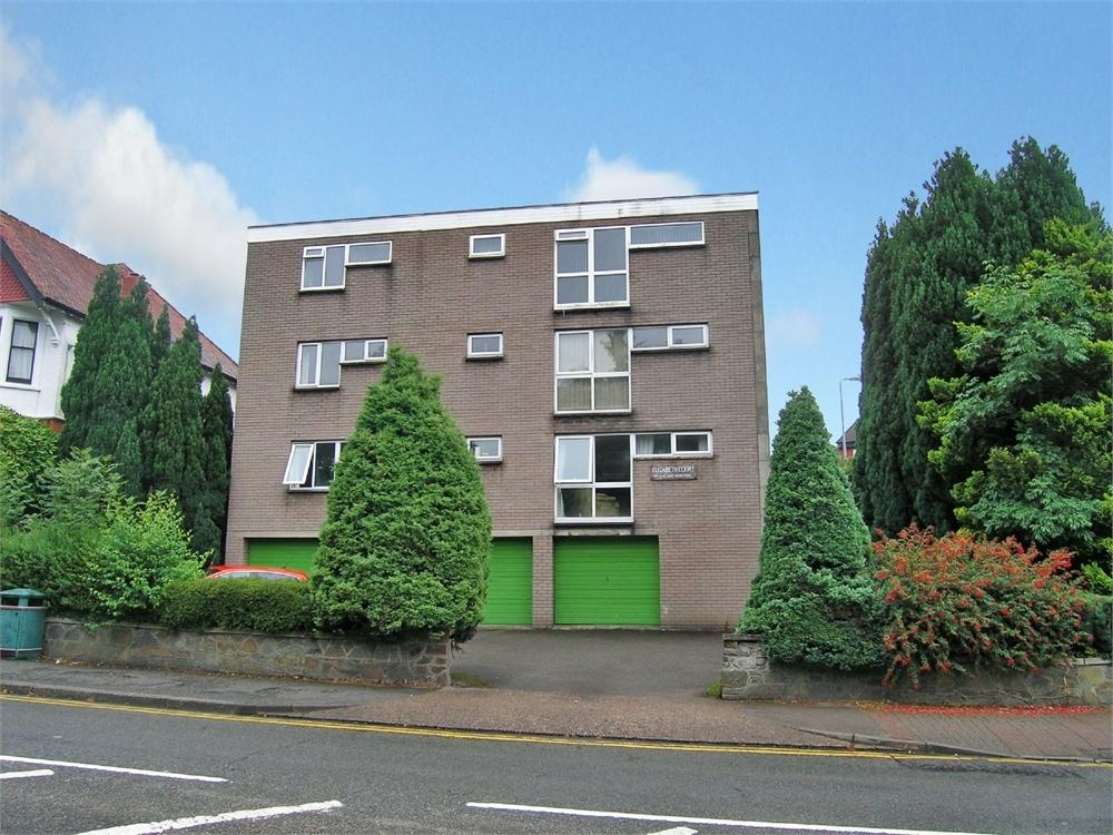 2 Bedrooms Flat for sale in Elizabeth Court, Lake Road East, Roath Park, Cardiff