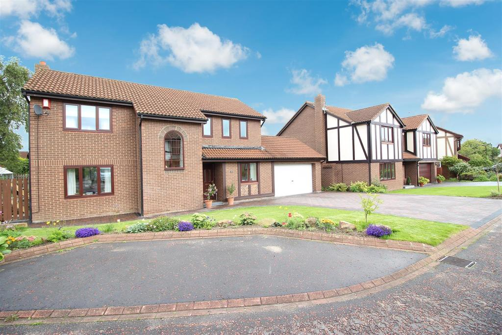 4 Bedrooms Detached House for sale in Berkeley Close, Killingworth, Newcastle Upon Tyne