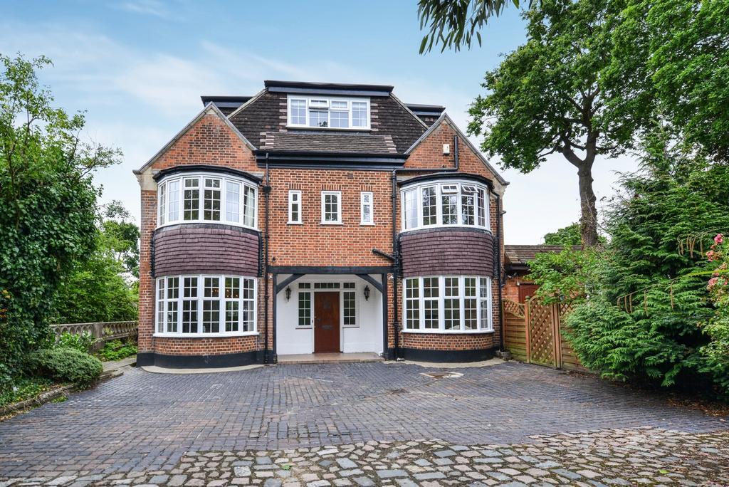 4 Bedrooms Link Detached House for sale in Oakwood Close Chislehurst BR7