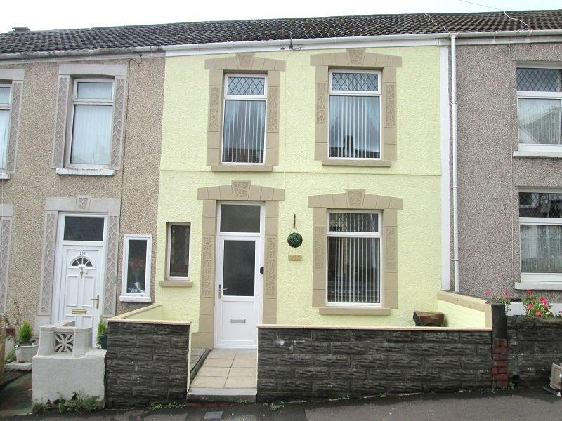 3 Bedrooms Terraced House for sale in Middle Road, Cwmdu, Swansea, City And County of Swansea.