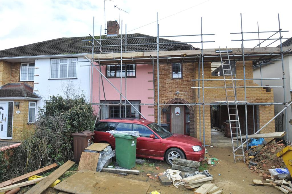 3 Bedrooms Semi Detached House for sale in Cuckmans Drive, St. Albans, Hertfordshire