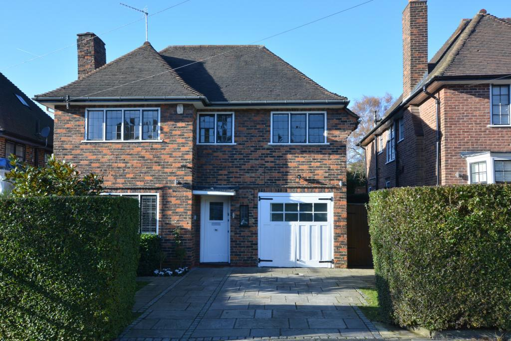 4 Bedrooms Detached House for sale in Greenhalgh Walk Hampstead Garden Suburb N2
