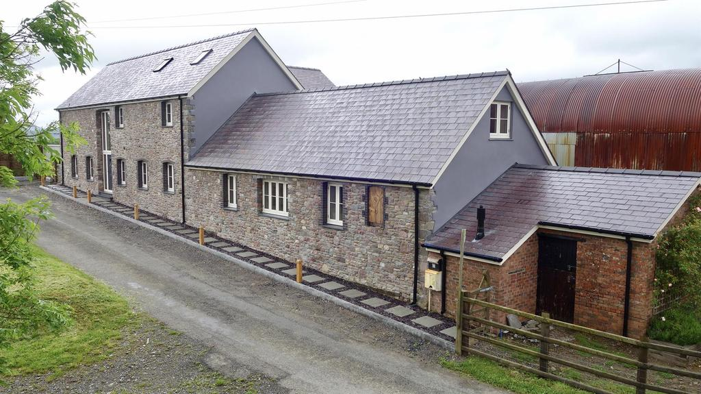 4 Bedrooms Barn Conversion Character Property for sale in Llangadog