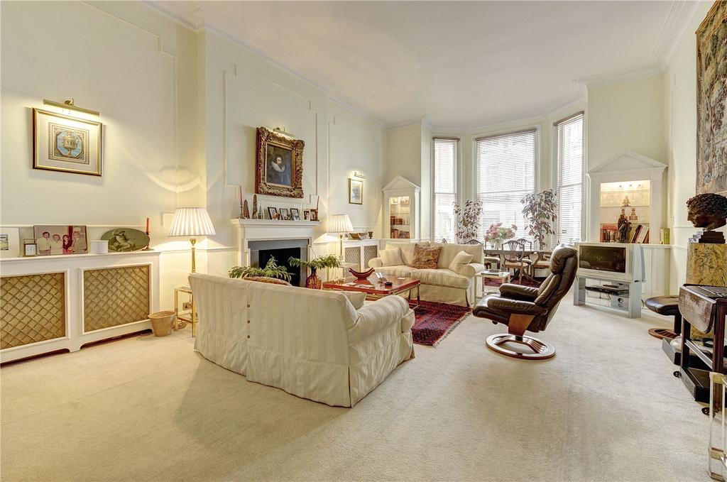 2 Bedrooms Flat for sale in Imperial Court, Lexham Gardens, London, W8