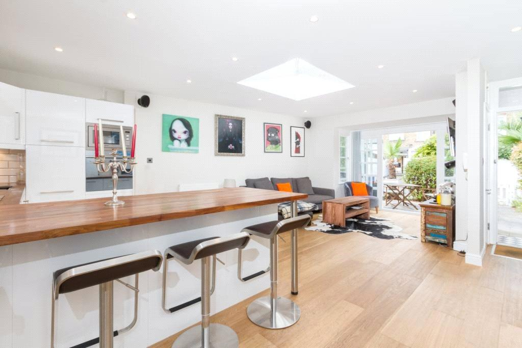 2 Bedrooms Semi Detached House for sale in Balvernie Grove, Southfields, London, SW18