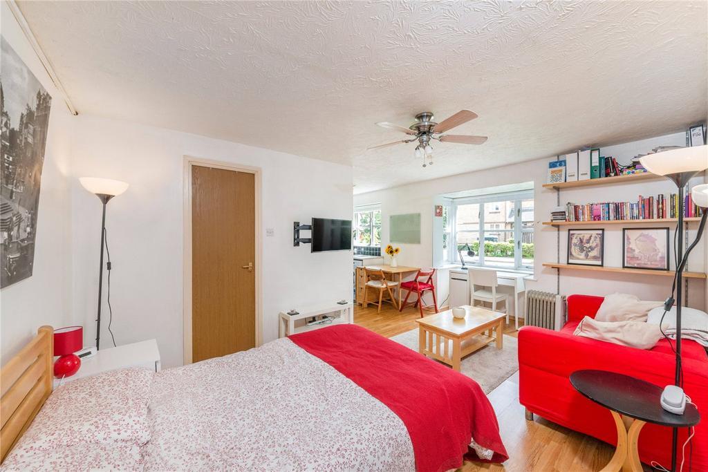 Studio Flat for sale in Gaugin Court, 3 Stubbs Drive, London, SE16