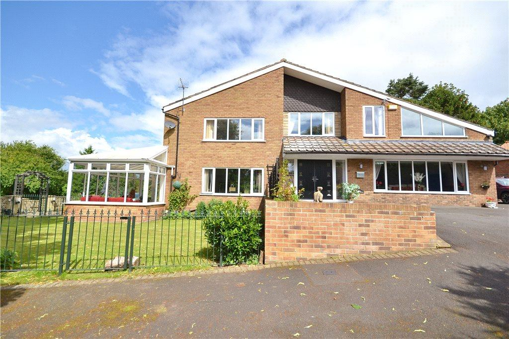 4 Bedrooms Detached House for sale in The Green, Bishopton, Stockton-on-Tees
