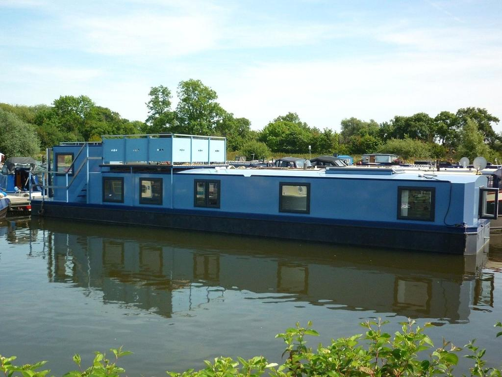 2 Bedrooms Unique Property for sale in Pillings Lock Marina, Quorn, Loughborough