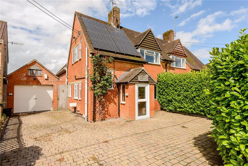 3 Bedrooms Semi Detached House for sale in Elcot Lane, Marlborough, Wiltshire, SN8