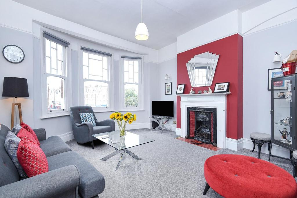 2 Bedrooms Flat for sale in Muswell Hill Broadway, Muswell Hill