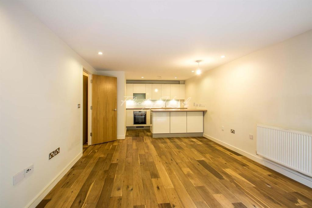 1 Bedroom Flat for sale in Seren Park, London, SE3