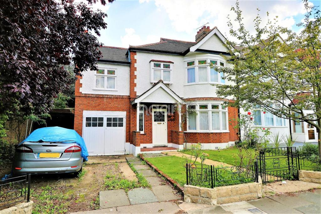 4 Bedrooms End Of Terrace House for sale in Cranbrook Rise, Ilford, Essex