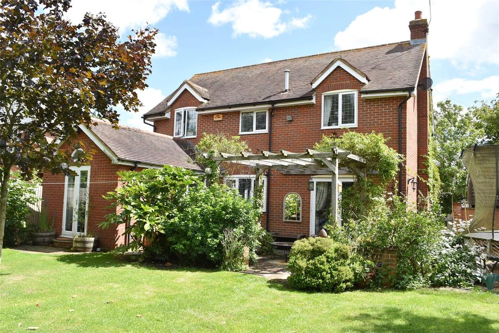 4 Bedrooms Detached House for sale in Verney Junction, Buckinghamshire
