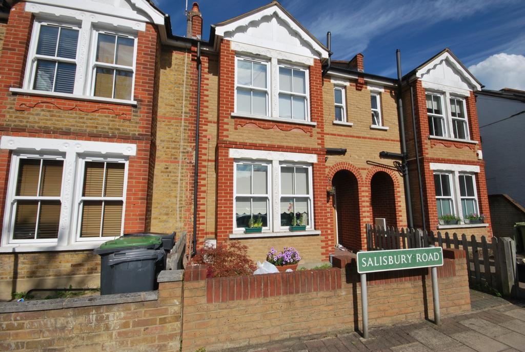 3 Bedrooms Terraced House for sale in Salisbury Road Bromley BR2