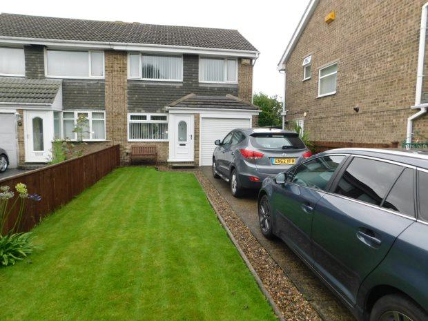 3 Bedrooms Semi Detached House for sale in BEVAN GROVE, GILESGATE, DURHAM CITY