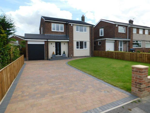 3 Bedrooms Detached House for sale in MOOR CRESCENT, GILESGATE, DURHAM CITY