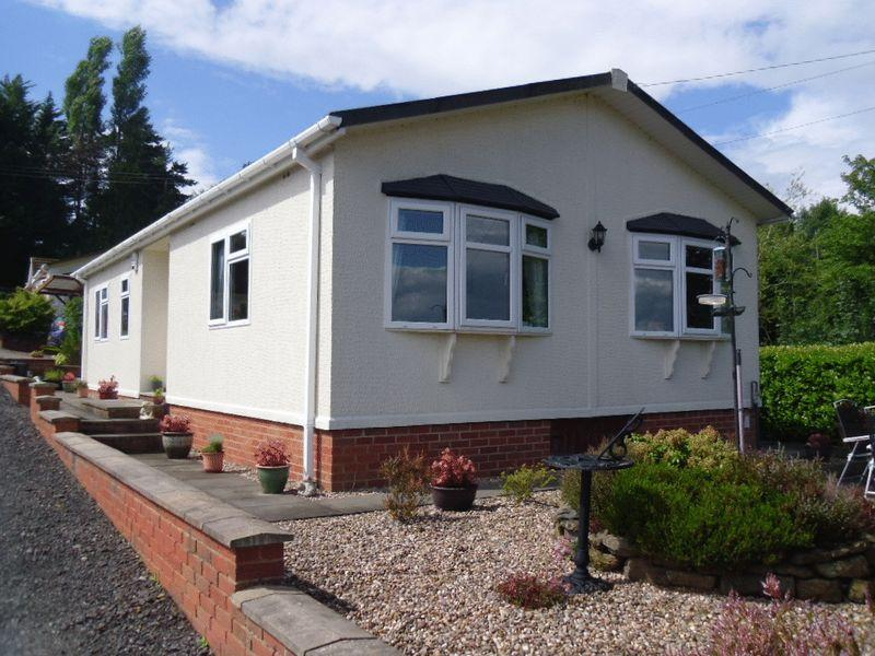 2 Bedrooms Park Home Mobile Home for sale in Badgers Walk Pool Lane Clows Top DY14 9NT