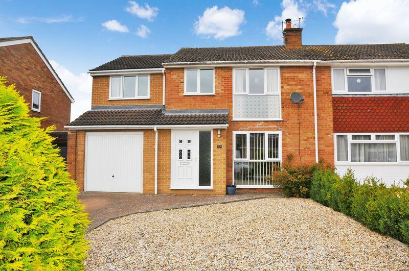 4 Bedrooms Semi Detached House for sale in Beech Road, Eynsham