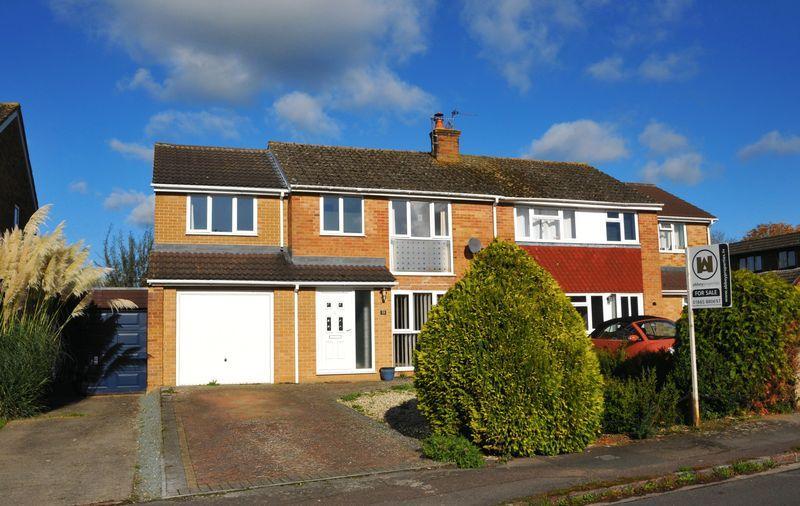 4 Bedrooms Semi Detached House for sale in Beech Road, Eynsham