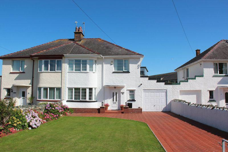 3 Bedrooms Semi Detached House for sale in New Park Road, Holyhead
