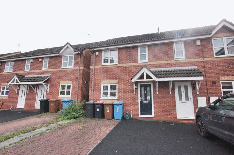 3 Bedrooms Semi Detached House for sale in Georgette Drive, Salford