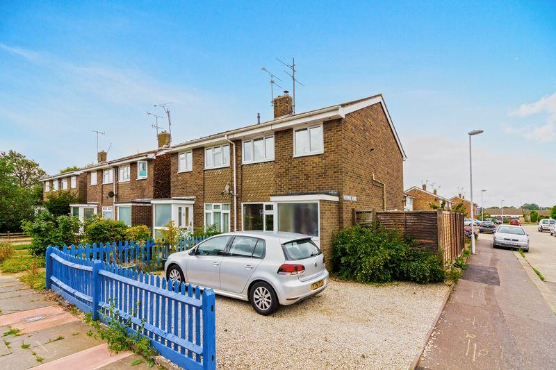 3 Bedrooms Semi Detached House for sale in Newtimber Avenue, Worthing