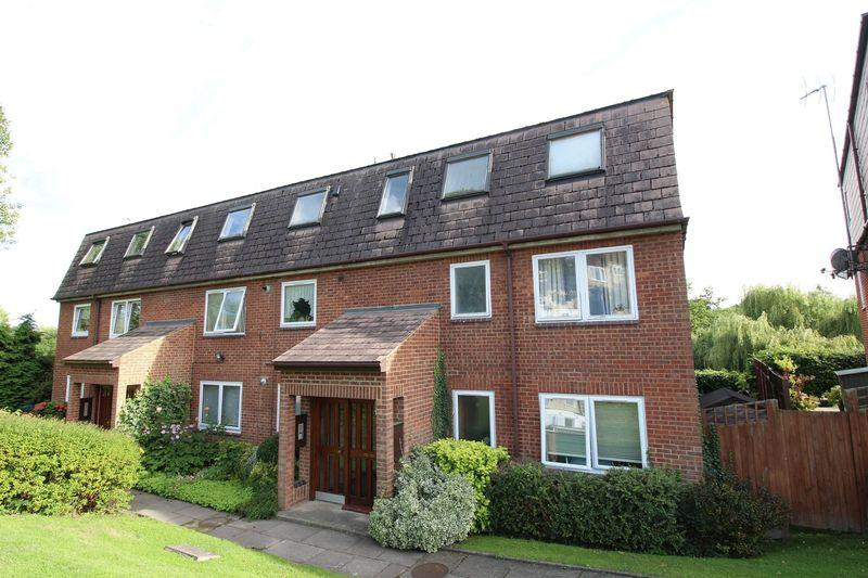 1 Bedroom Flat for sale in Brookside, East Barnet
