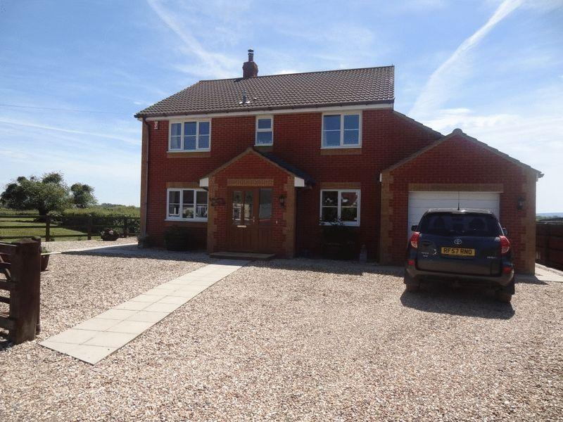 4 Bedrooms Detached House for sale in Fordgate, Bridgwater