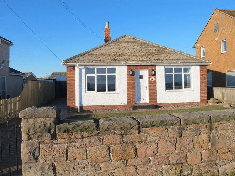 3 Bedrooms Bungalow for sale in Harbour Road, Beadnell, Chathill