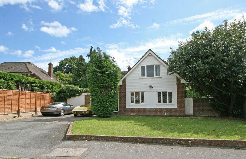 2 Bedrooms Detached House for sale in Linden Drive, Farnham Royal, Buckinghamshire SL2
