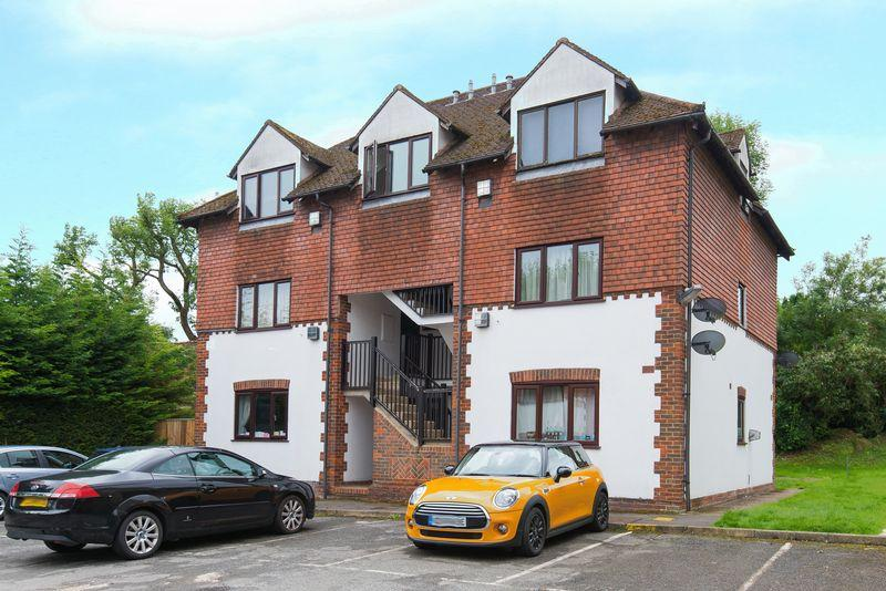 1 Bedroom Apartment Flat for sale in Willow Court, High Wycombe