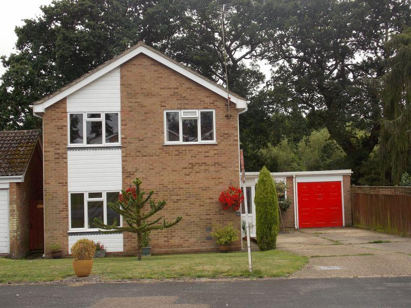 4 Bedrooms Detached House for sale in West View, Stowmarket
