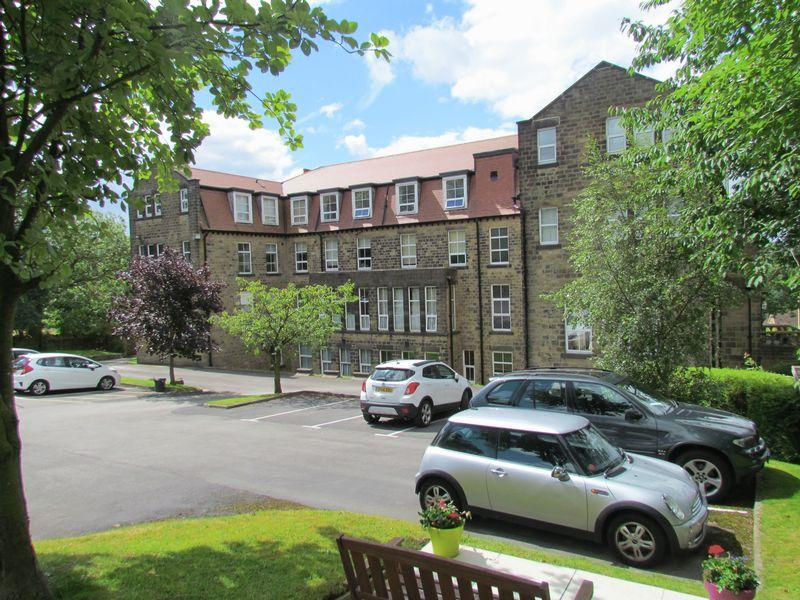 2 Bedrooms Apartment Flat for sale in Acland Hall , Bingley